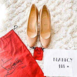 ❌SOLD❌Christian Louboutin Simple nude pumps